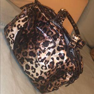 Matching leopard print set purse & wallet